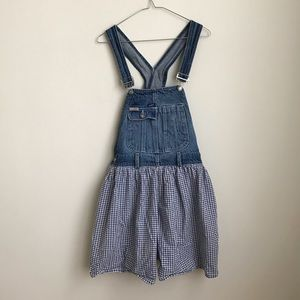 1931a7400e7b Vintage Guess overall denim and gingham shorts